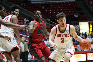 Kokomo native Tayler Persons makes a move to the basket for Ball State. (SJ photo/William Gibson)